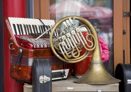 Musikerflohmarkt für gebrauchte Instrumente und Noten @ intakt Musikinstitut